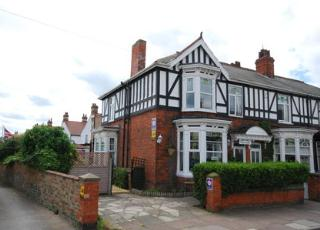 Tudor Terrace Guest House in Cleethorpes from £27