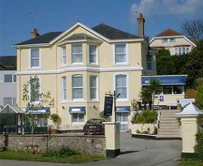 Glenross Hotel in Torquay from £40