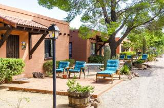 White Stallion Ranch in Tucson from $192