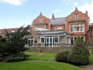 Oakalnds Country House Hotel