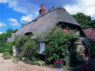 400yr Thatched Cottage Hotel And Restaurant