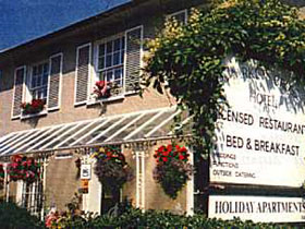 Arundel House (Bed and Breakfast)