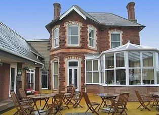 Red House Hotel & Maxton Lodge Apartments