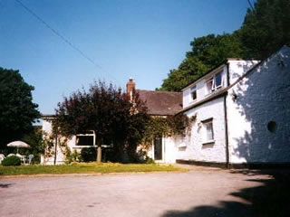The Barn House (Bed and Breakfast)