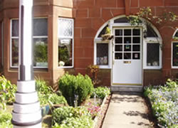 Rutland Guest House & Self Catering Cottage, Largs