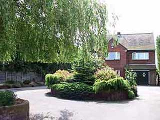 Willow House (Bed and Breakfast)