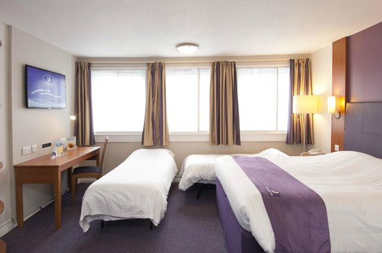 Premier Inn Wirral (Childer Thornton)thumbnail 4 of 6